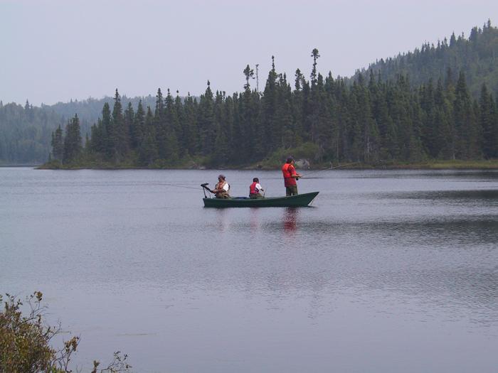 L'hiver finira bien par finir! Durant les belles saisons de 2016, vous pourrez encore pêcher dans le petit matin brumeux... Venez préparer vos excursions et expéditions au Salon de Québec durant le weekend!